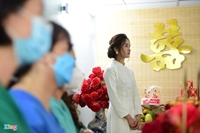 Đám cưới tại bệnh viện dã chiến, cô dâu ở TP HCM, chú rể ở Hà Nội