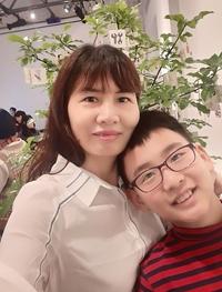 Bóng mẹ trên đường đến hội họa của cậu bé lai Việt - Hàn