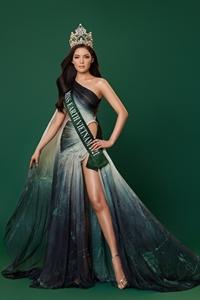 Nguyễn Vân Anh thi Hoa hậu Trái Đất 2021
