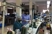 """Nhân ngày Phụ nữ Việt Nam """"Bông hồng sáng kiến"""" của Nhà máy Z176"""