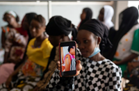 Phụ nữ châu Phi có tỷ lệ tiêm ngừa COVID-19 thấp nhất thế giới